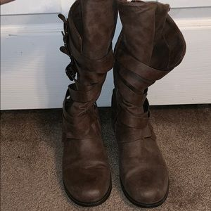 Report Shoes - Report brown buckle boots